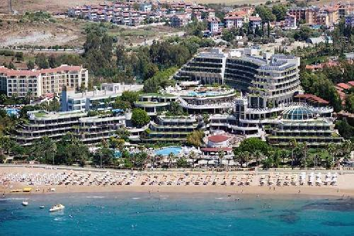 Crystal Sunrise Queen Luxury Resort transfer