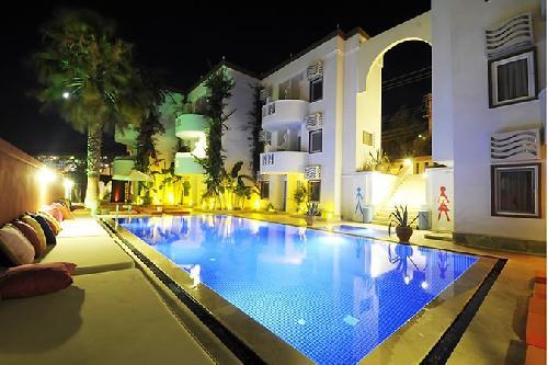 La Brezza Suite Hotel transfer