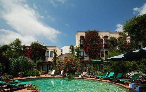El Vino Hotel Suites transfer