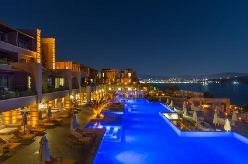 Caresse a Luxury Collection Resort Spa transfer