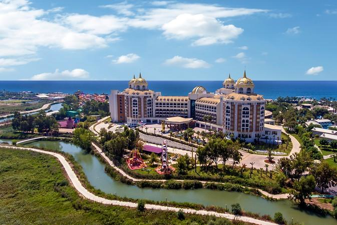 Delphin Be Grand Resort transfer