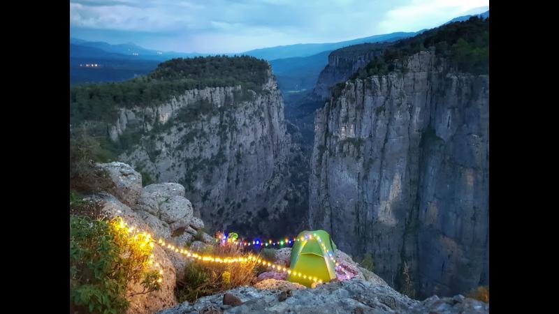 Canyon Greyhound tour